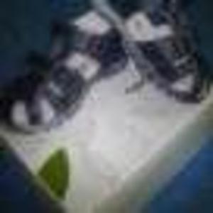 Продам новые сандалии на мальчика