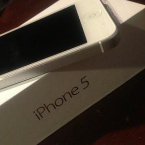 Новый Apple Iphone 5 64GB/Samsung Galaxy S4 / Macbook Air