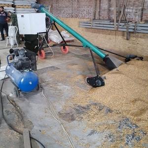 Дозатор весовой мобильный шнековый зерна,  пеллет и других из бурта