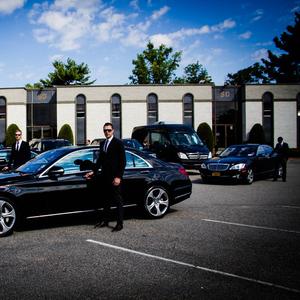 Аренда и заказ легковых автомобилей с водителем в ТК «Авто-Арена».